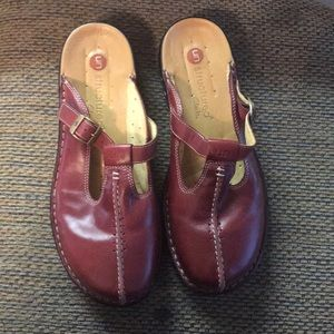 Red UnStructured Clark Mules 9M